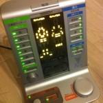 膝痛に オムロン 電気治療器温熱サポーター付 HV-F5200を買ってみた 長期レポート