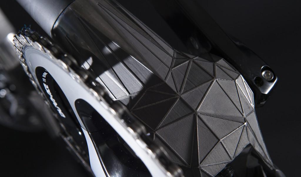 3Dプリンタで作られたチタンカーボンバイクDFM01がとにかく凄い