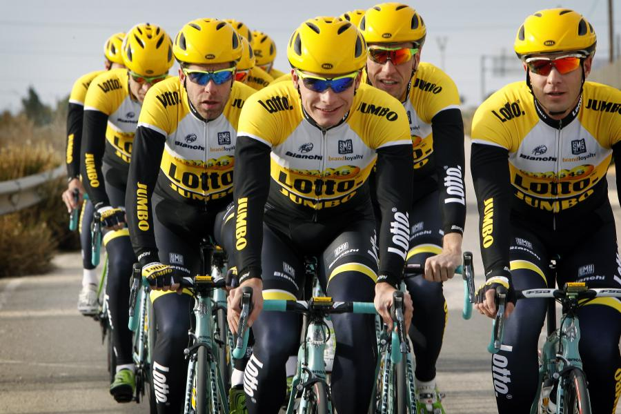LOTTO-JUMBO-team shot