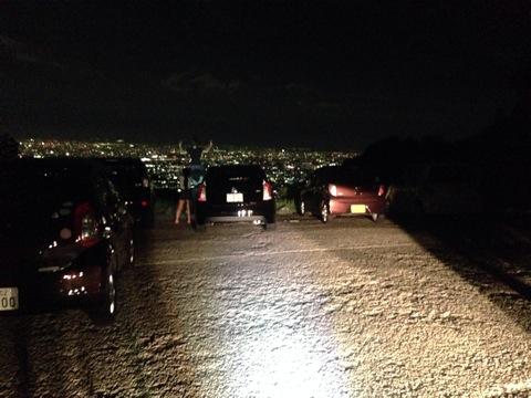 谷から山へ向かう夜間パトロール 17:45 288W